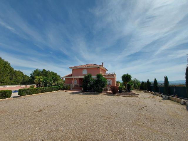Huizen-Villa te koop in Totana