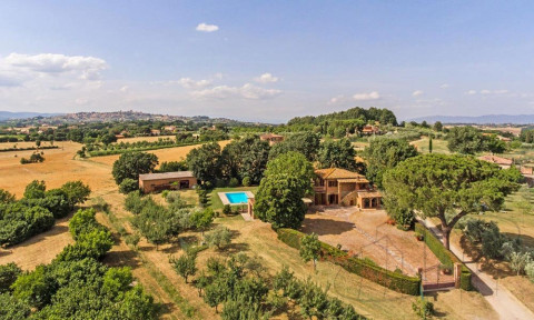Italy property for sale in Tuscany, Lucignano