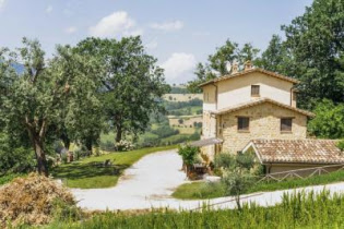Italy property for sale in Marche, Camporotondo