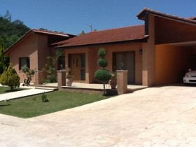 Cyprus property for sale in Moniatis, Limassol