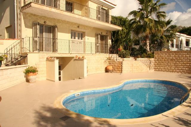 Кипр  в Paphos, Coral Bay