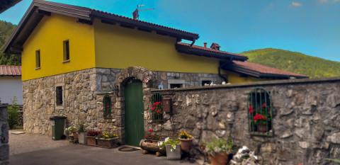 Casa en venta en Sezana