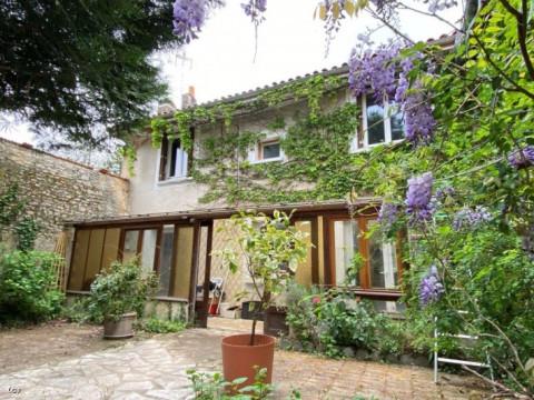 Francia  en Poitou-Charentes, Ruffec