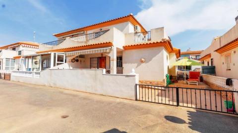 Huizen-Villa te koop in Playa Flamenca
