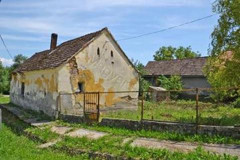 Villen-Häuser zum kauf in Szenyer