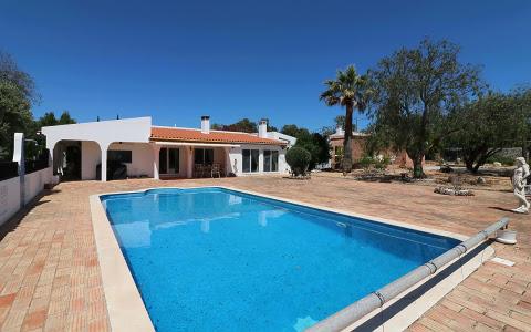 Villa-Maison à vendre en Faro