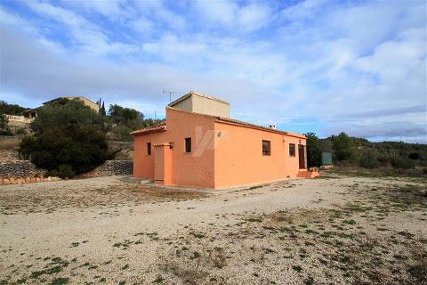 Huizen-Villa te koop in Senija